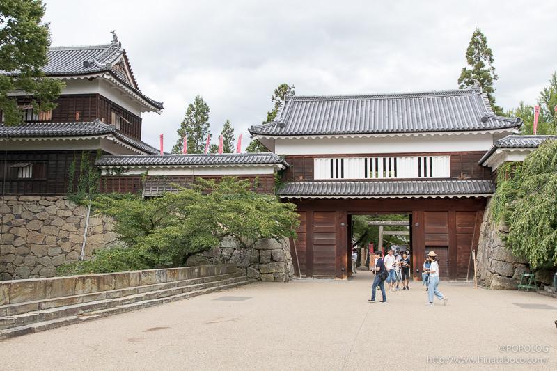 真田石と東虎口櫓門