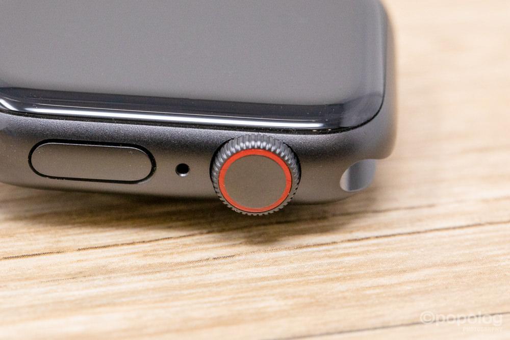Apple Watchのセルラーモデルの赤リング